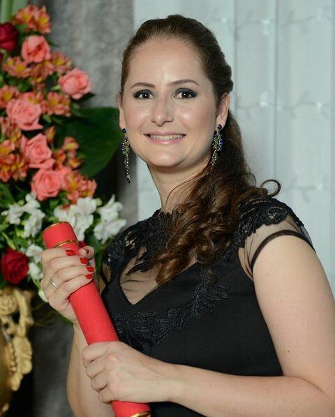 Fernanda Vargas - Aprovada no XVI Exame OAB